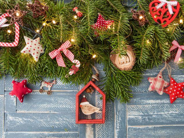 merry-christmas-and-happy-holidays-PUKFVDZ